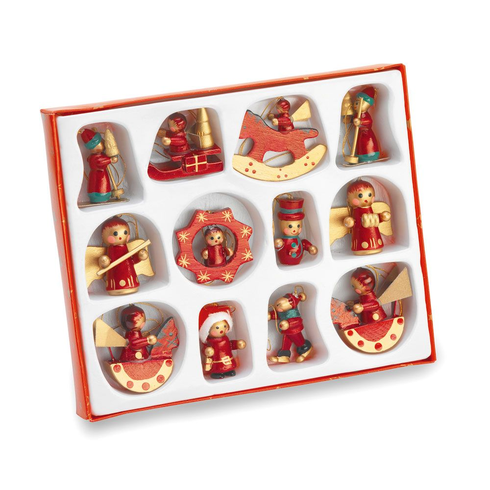 Traditional wooden christmas tree decorations for Wooden christmas decorations